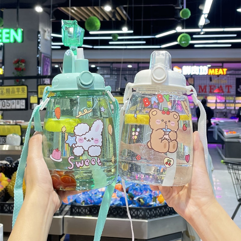 1300Ml Large Capacity Outdoor Sports Water Bottle With Straw Strap Creative Cute Sticker Portable Plastic Kids Sippy Water Cup
